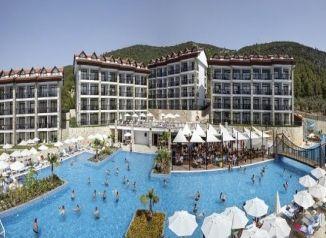 на територията на хотел  Ramada Resort Akbuk